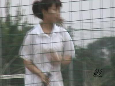 隠撮 テニスガール野グソ野ション 1 1