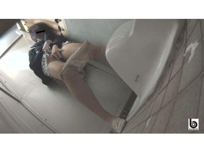 追跡盗撮 痴漢された後の欲情オナニー 3