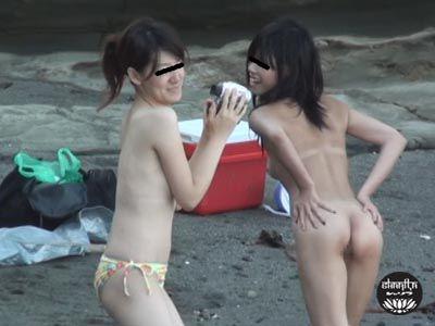 ピーピングヌーディスト放尿1 〜ビーチではじける裸体とおしっこ〜 2