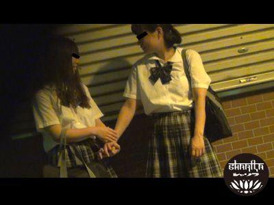 隠撮 女子校生レズプレイ2 〜夏のスポーツ女子。部活帰りにこっそりと…。〜 5