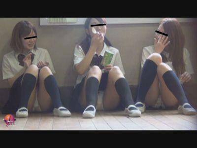 隠撮 JK 学校内 清純パンツ 3