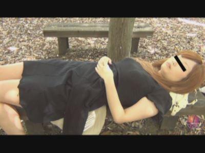 居眠り娘を白昼レイプ!!3 野外で暴れる支配欲 3