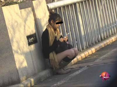うっかりパンチラ!!街で見つけた素人美女達の無防備なパンチラ追跡&追尾!! 2