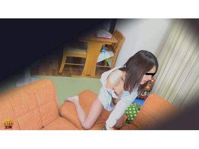 盗撮 こっそりAV鑑賞オナニー2 3