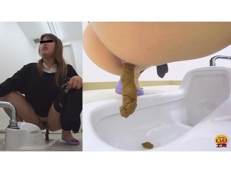 実録 コンビニトイレ24時!! ~美女が多いトイレを盗撮~ 2