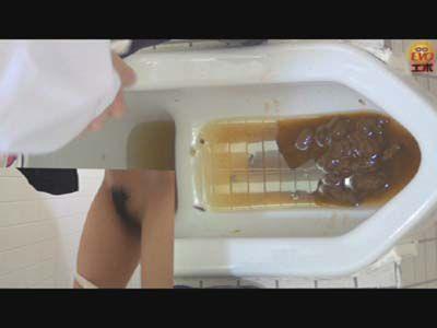 盗覗3カメトイレ 便器に溜まるウンコ 3