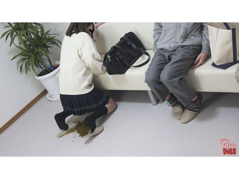 待合室で見た うんこ漏らし女!2 4