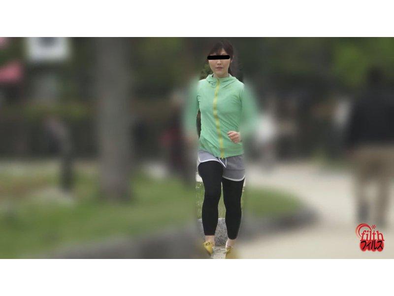 公衆トイレ盗撮 美ジョガーうんこ! 3