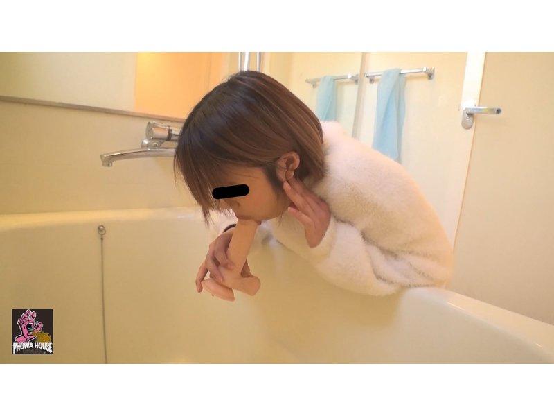投稿動画 イラマゲロ女② 〜いっぱい食べて喉奥ディルド〜 3