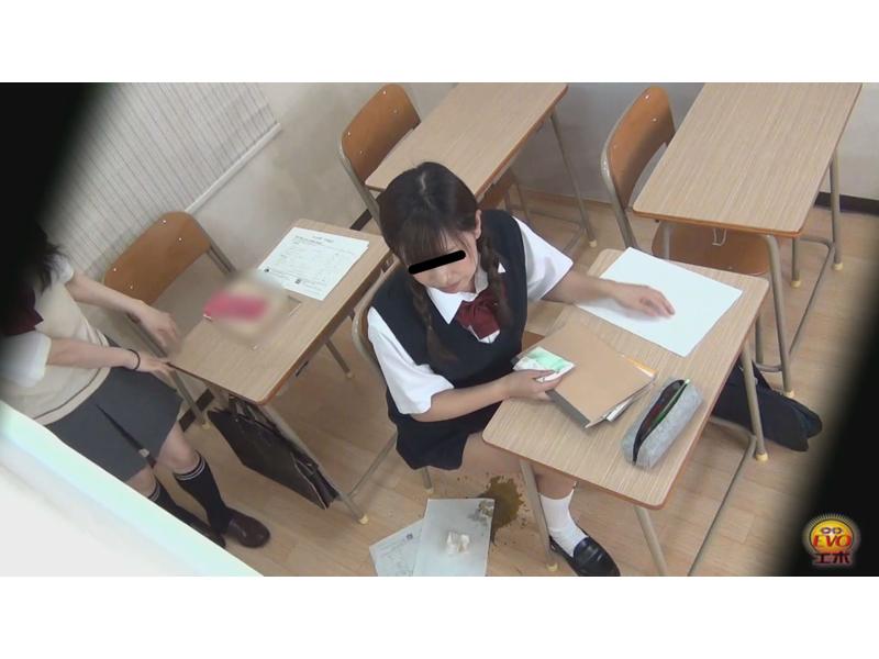 学習塾盗撮 授業中滴る下痢便2 2